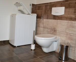 Patro WC a automatická pračka