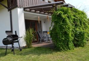 Chalupa Zlukov - okolí - terasa a grill