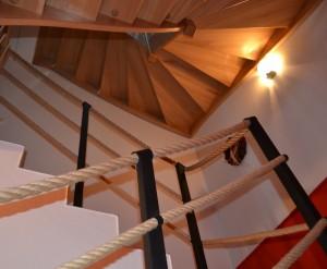 Přízemí chodby a schodiště